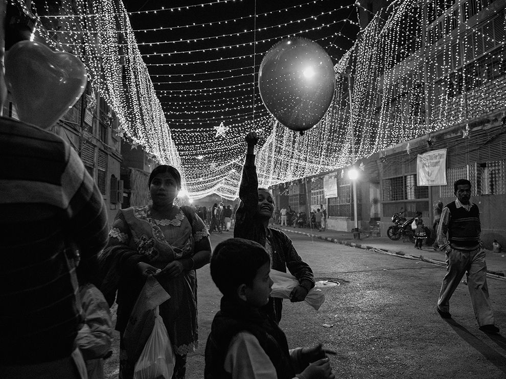 Picture of children in Bow Barracks, Kolkata, India, on Christmas Eve
