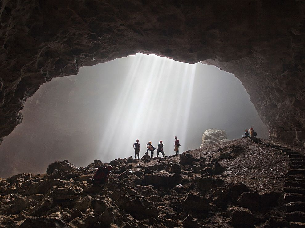 Picture of rays of light streaming into Grubug Cave