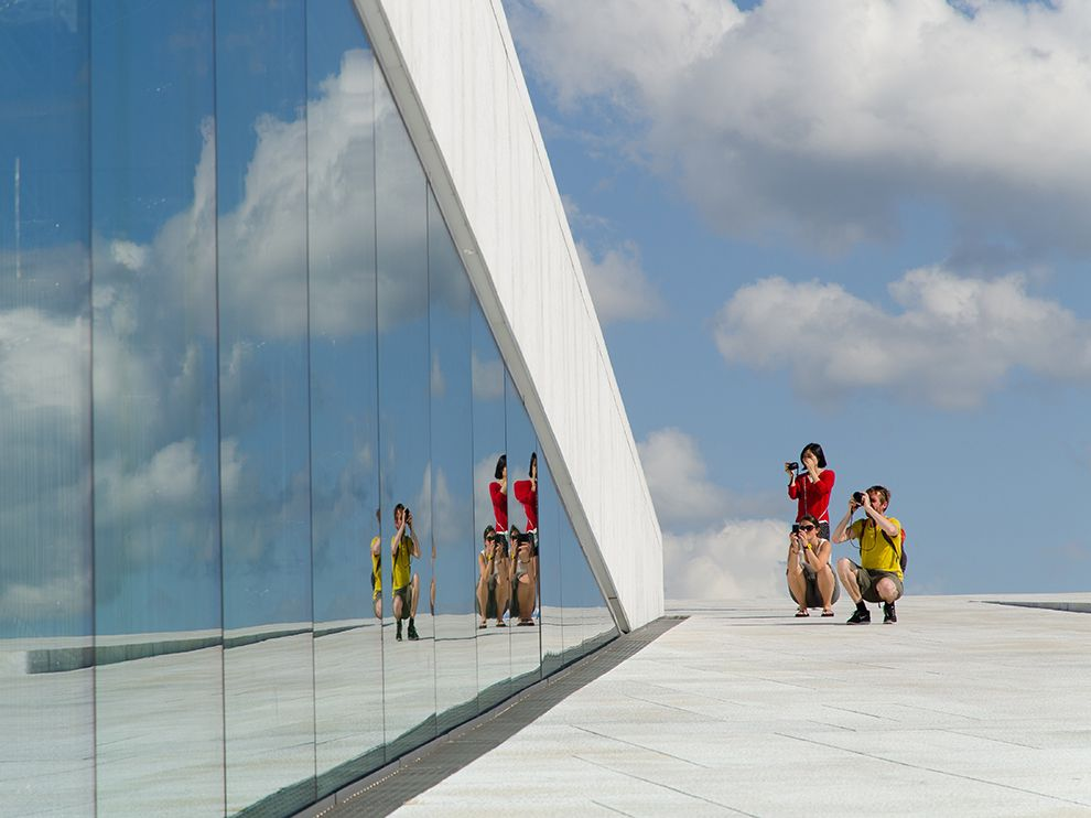 Picture of tourists at the Oslo Opera House