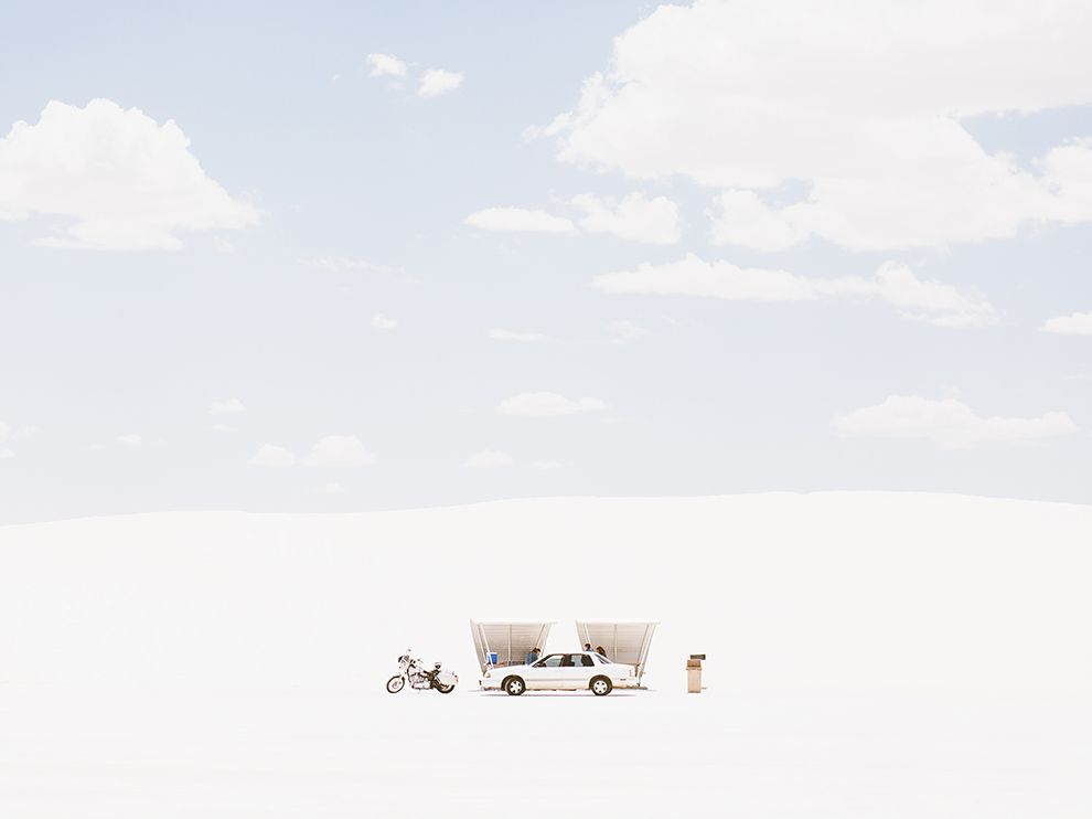 Picture of a car seeking shade, White Sands, New Mexico
